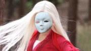 怒晴湘西:陈玉楼被毒瞎双眼,红姑娘现月亮门绝技,吸出眼中尸虫